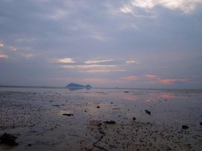 Пляж Hinkong во время отлива